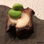 日本料理 TOBIUME - 料理写真:関門海峡産の蛸の柔らか煮と枝豆のビール漬