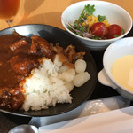 70095240 - 名物のカレーと冷製コーンスープ、サラダ。朝から満腹(^^;;