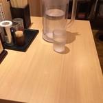どさん子 - テーブル席