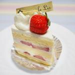 70102418 - いちごのショートケーキ