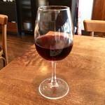 70102745 - スペインのワイン「グランイラーチェ」(グラス650円)。思っていたより濃厚だった。もう少し飲みたかったかも。
