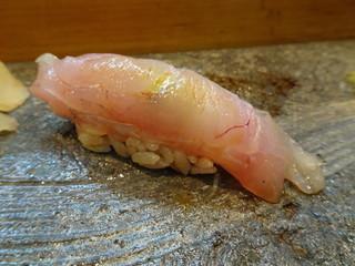 寿司栄 - アマダイ