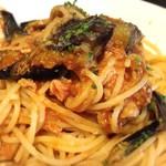 テルツォ - 鶏肉と揚げナスのトマトソーススパゲティ