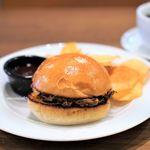 クロスロード ベーカリー - キューバ風プルドポークサンドイッチ