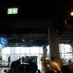 Zense - 会場内はビュッフェスタイルのレストランなので広々。