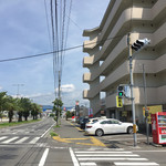 長浜一番 - 大きな道路に面したところにあります。