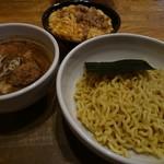 らーめん キラリ - 濃厚魚介味噌つけ麺+エッグライス