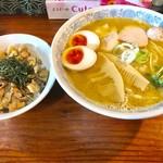 千思萬考 - 特製鶏そば・本搾りの正油(大盛)+とり皮飯【料理】