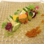 70123328 - 前菜~3種類の海の幸と7種類の旬野菜のシェフ特製プレート