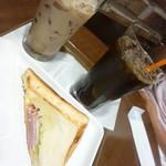 サンマルクカフェ - モーニング(アイスティー&ホットサンド)とアイスロイヤルミルクティー