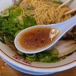 中華そばいせや - スープ(基本の方が好みですね)