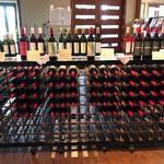 70137386 - 2017/07 入り口のワインショップ