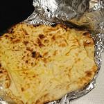 スパイスカフェ87 - チーズナン