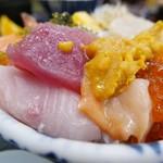 70141427 - 【海鮮丼(上)…1,180円】♫2017/6