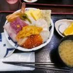 70141430 - 【海鮮丼(上)…1,180円】♫2017/6