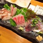 海鮮道楽 ととや - 選べる三点盛り(760円)