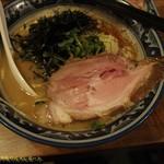 70145478 - らぁ麺。お値段は900円。(2016/3/16)