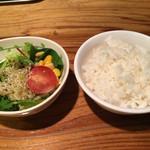 十夢 - ミニサラダ・ライス 平日・週末にも付いてくるランチサービス! サラダかライスのどちらかを選択です