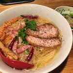 十夢 - ペペロンラーメン(1辛) 900円 + 大盛り 150円 + サラダ(ランチ無料)