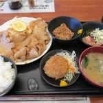 豚菜 - しょうが焼き定食756円、メンチカツ200円、納豆108円