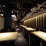 ひとはし - 45名入れるテーブル席バーカウンタもついて大人の雰囲気。