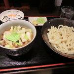 東京うどん - 肉汁キャベツうどん880円