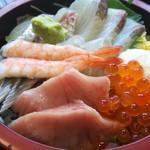 旬処 いさ路 - 海鮮丼