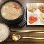 ジャンモ - 海鮮味噌チゲ ¥950-