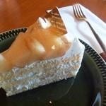 カフェ キャラメルママ - 桃のショートケーキ