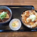 くまうし - 「バラ豚丼とミニきつねそば 1,030円」