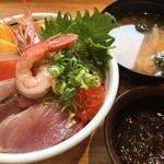 築地食堂 源ちゃん - 小鉢もずく(甘いタレ)、味噌汁付き(あおさ)