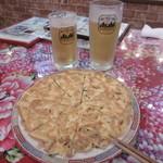 70159146 - 生ビールと台湾風玉子焼き
