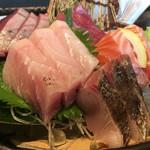魚料理の店 鮮魚まるふく - 刺身盛合せアップ