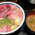 三崎市場 - 三崎丼味噌汁セット1,000円