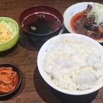 居酒屋 路地裏 - 旨辛すじ煮込み定食 750円