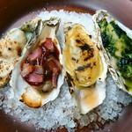 ハングリー - 【焼き牡蠣】左からロックフェラー、キルパトリック、コーンクリーム、海苔の佃煮