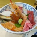 海鮮丼の駅前 - 海鮮丼(上)853円