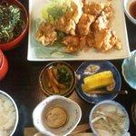 浜菊 - とり天定食(880円)