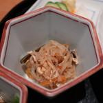 恵比寿 笹岡 - 切干大根の煮物アップ