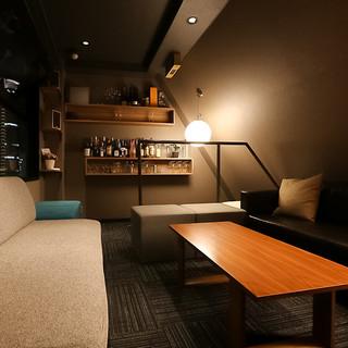 {1部屋限定}中之島の夜景を一望できるプライベートソファ個室