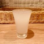 羊肉酒場0,19 - 日本酒「奥 feeling 夢吟香」(300円)。