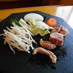 地鶏食堂 - 溶岩焼き⤴︎⤴︎