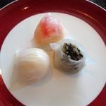 70179682 - 海老入り蒸し餃子、たらば蟹と海老のクリスタル蒸し餃子、トリュフときのこの蒸し餃子