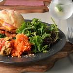 レストラン ビブ - チキンチーズバーガープレート