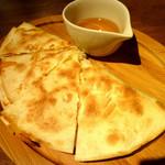 アルコバレーノ - ◆ハチミツとチーズのケサディージャ