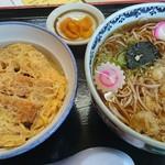 清水屋 - カツ丼とたぬきそばセット 950円