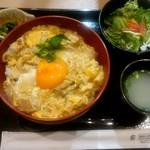 根津 鶏はな - 水郷赤鶏 親子丼:1,080円