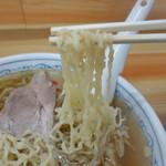 70191347 - 中華そばの麺・リフトアップ