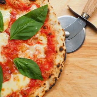PAZZO名物石窯焼Pizza