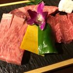 70193336 - 霜降り和牛三種盛り(ロース、カルビ、ヒレ)3020円